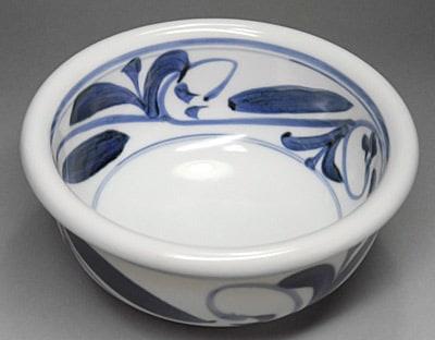 砥部焼、唐草文の小鉢