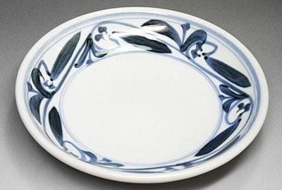 砥部焼、唐草文の丸皿