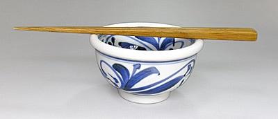 砥部焼の小鉢 唐草