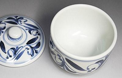 和食器、砥部焼の蓋付き鉢