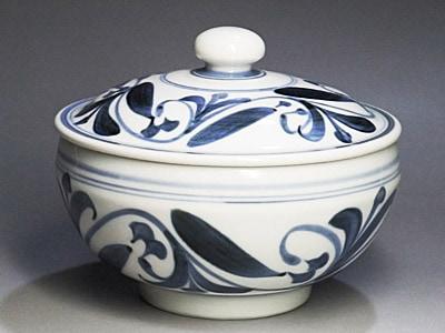 和食器の蓋付き鉢