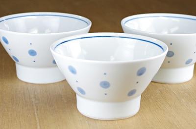 砥部焼き 梅山窯 くらわんか茶碗 水玉