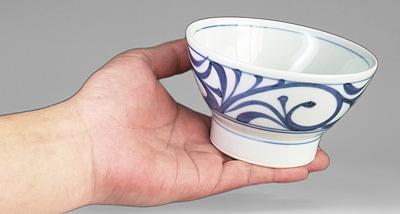 和食器 ごはん茶碗 持ったところ