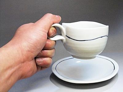 砥部焼、シンプルなコーヒーカップ