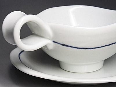 砥部焼のティーカップ