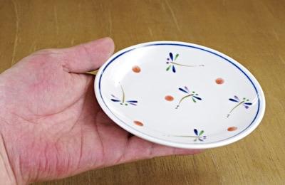 小皿 持ったところ