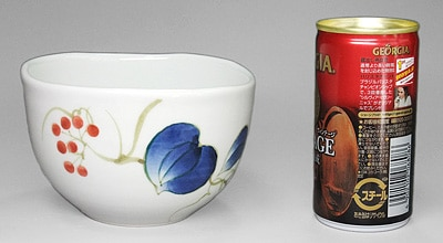 砥部焼の小鉢、大きさ比較