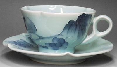 砥部焼、大西陶芸のマグカップ