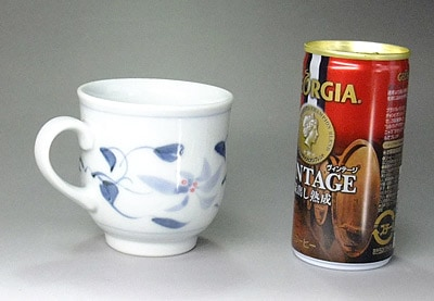 大きさ比較 砥部焼のマグカップ