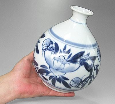 栖山窯 丸花瓶 持ったところ