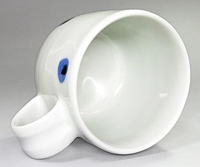 水玉のマグカップ