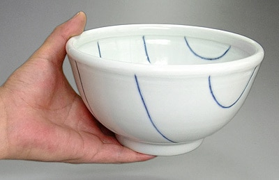 麺鉢を持ったところ