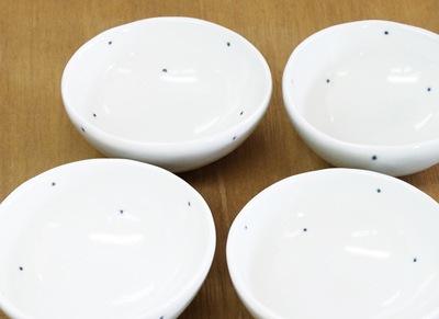 砥部焼き 足付きコロコロ鉢 ドット