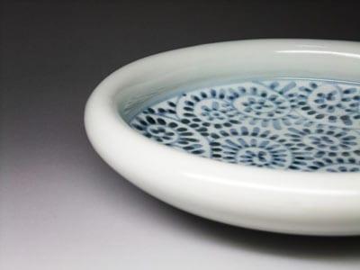 砥部焼の玉縁鉢。かわいい丸い縁。