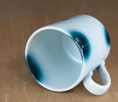 砥部焼き マグカップ 内側