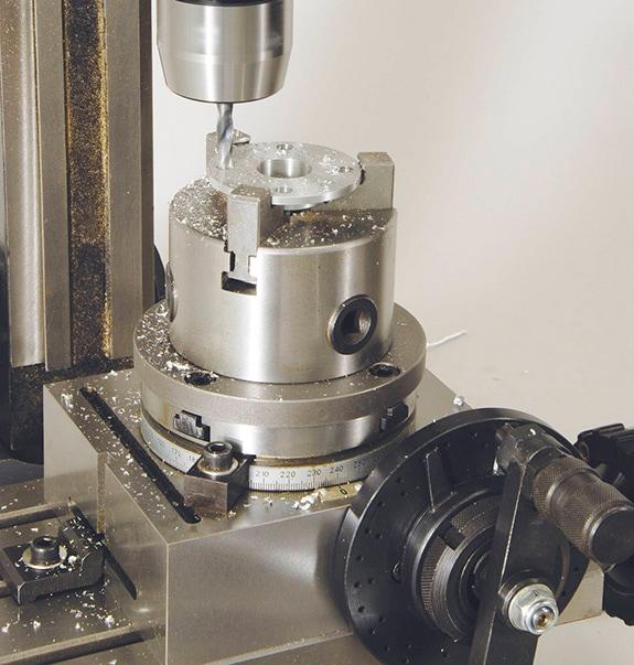 ミスターマイスター・万能精密旋盤Compact7にミーリングアタッチメントを取り付けたイメージ