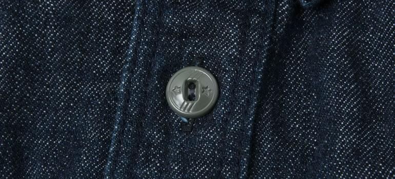 Wエルボーデニムシャツの素材と着心地