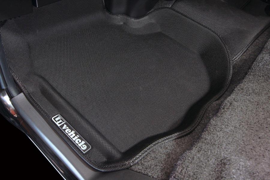 ユーアイビークル/UIvehicle NV350 キャラバン プレミアムGX用 3Dラバーマット
