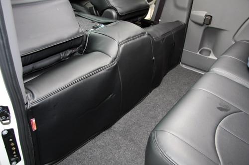 ユーアイビークル/UIvehicle NV350 キャラバン エンジンルームカバー リア