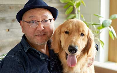 創業者 戸松&三代目看板犬 ジョルノ