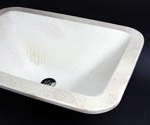 大きな手水鉢