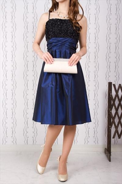 黒ネイビーのドレス3