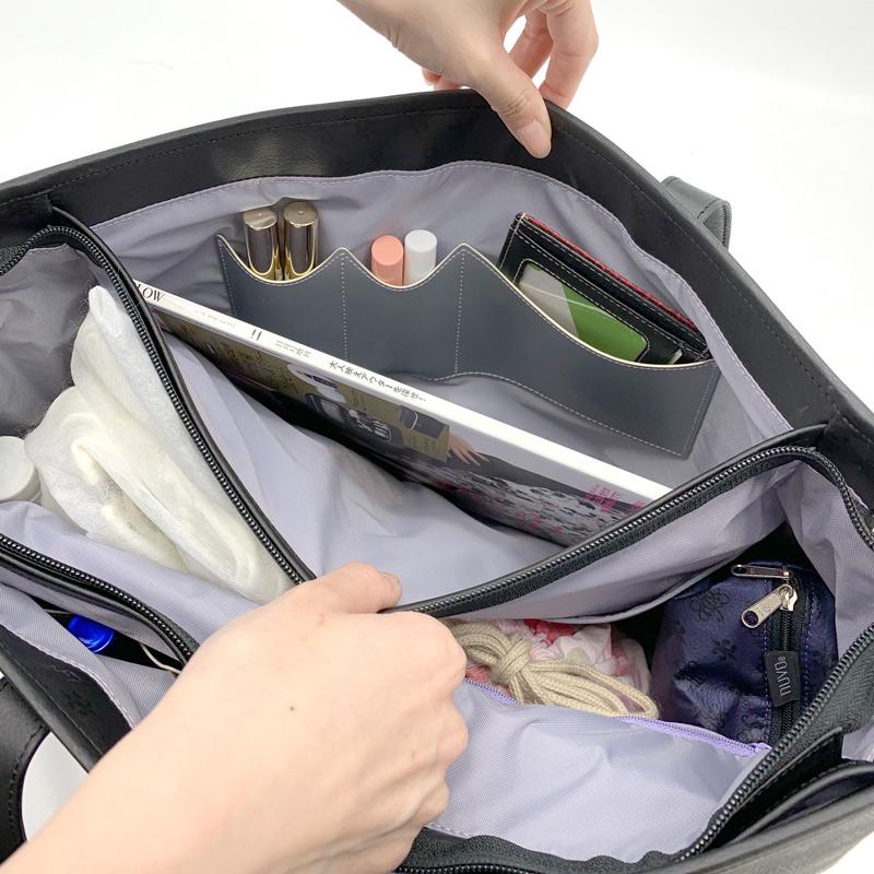 反対のアオリにもリップポケットがあり、パスケースごと入るカード入れも