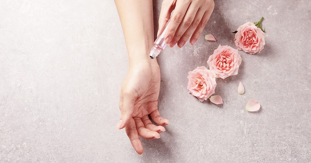 「香り」はバラの女王ダマスクローズ