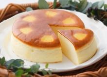 [写真]赤い風船のチーズケーキ