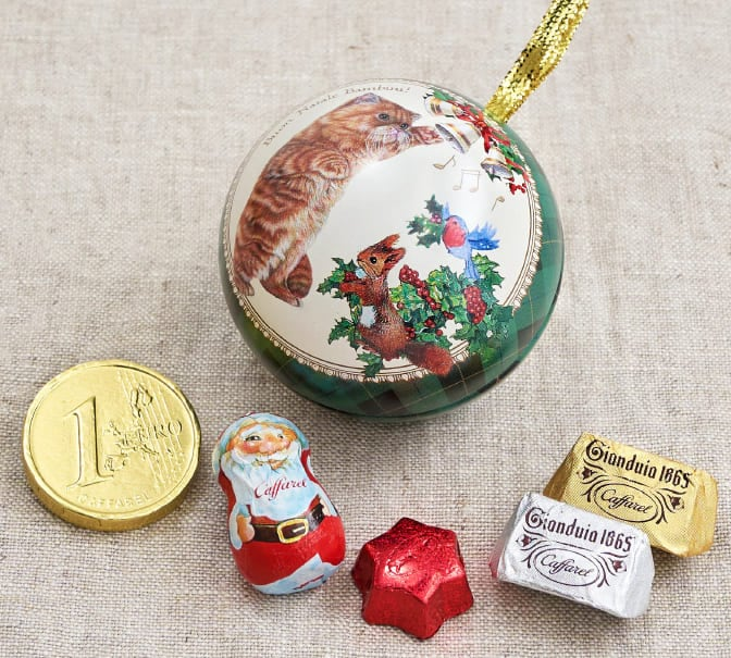 2020クリスマスサンタのチョコレート缶のギフト