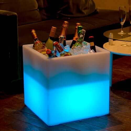 16色に光るボトルクーラースクエア(コードレス・充電式) ×1コ