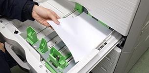 コピー機の整備工程 給紙の確認と整備