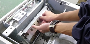 シュレッダーの整備工程 刃の取り外し
