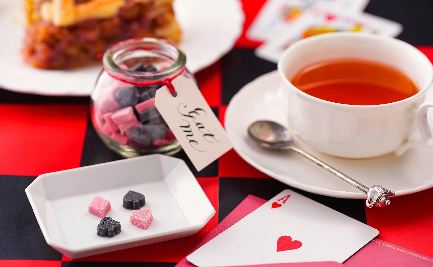 デザインシュガー,物語のある砂糖,かわいい,可愛い,手土産,ご挨拶,トランプ,ハート,クローバー,スペード,ダイヤ,不思議の国,お茶会,女子会,非日常,紅茶