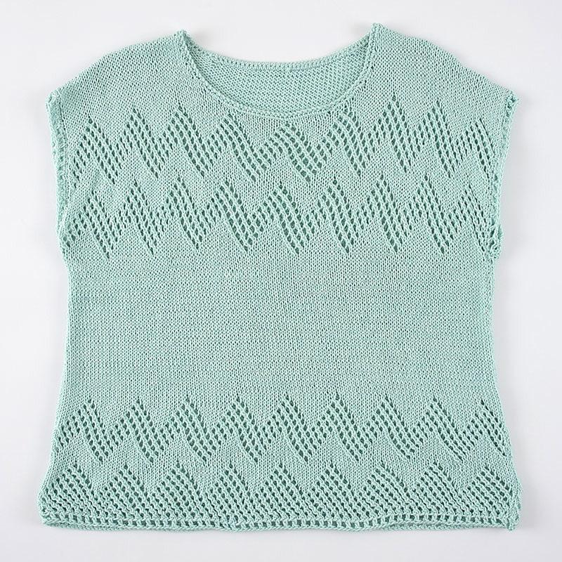 透かし編みのフレンチプルオーバー