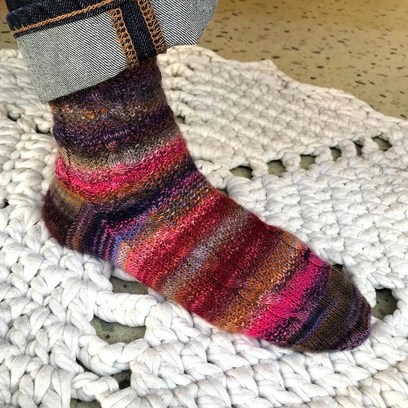 かのこと縄編みの靴下