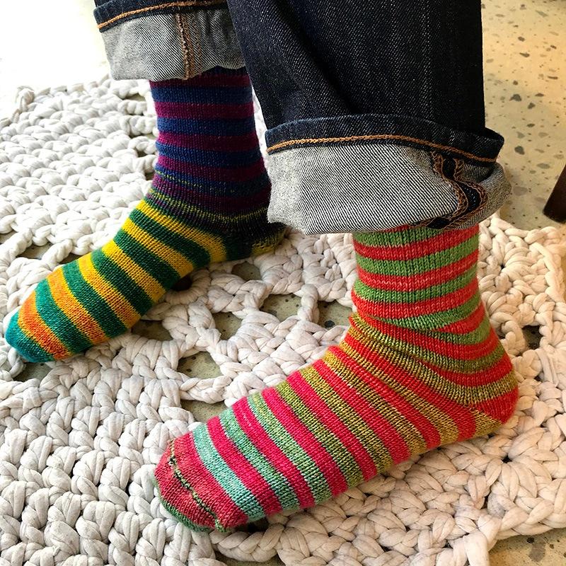 つま先から編む基本の靴下