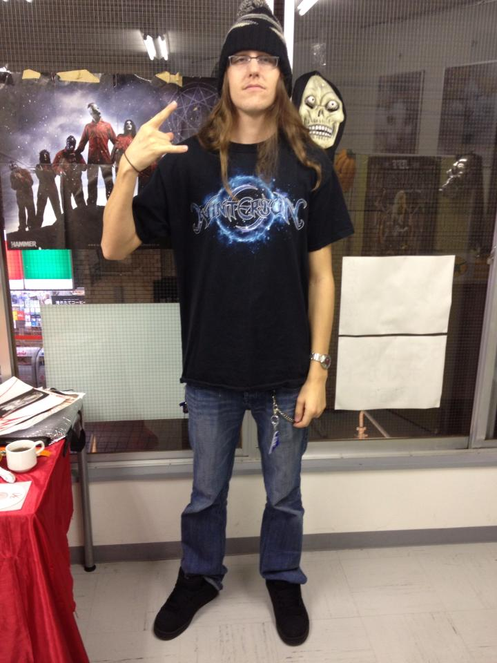 Zach様の Tシャツ着こなし!