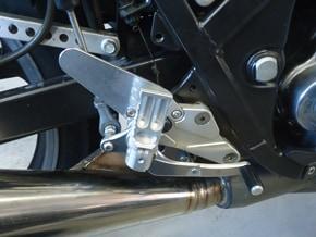 SRX用削り出しステップ装着例(ヒールガードあり)