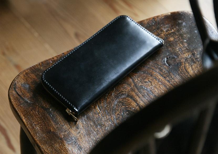 コードバンと栃木レザージーンズの長財布