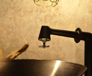 衛生水栓(ブラック)