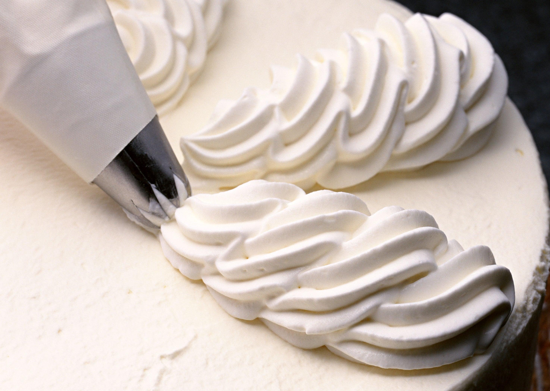 クリーム 泡立て 方 生 生クリームの泡立て方 上手にホイップするコツとは?