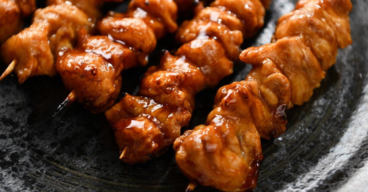タレで焼いた焼き鳥の串・ぼんじり5本