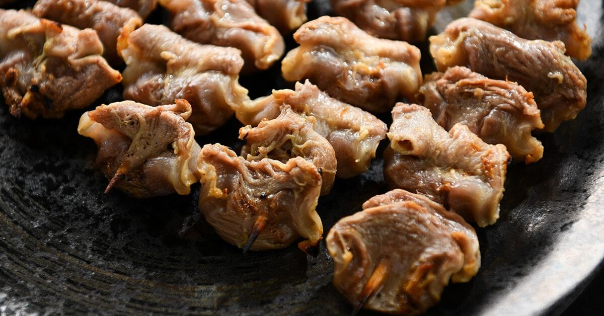 塩で焼いた焼き鳥の串・砂肝5本