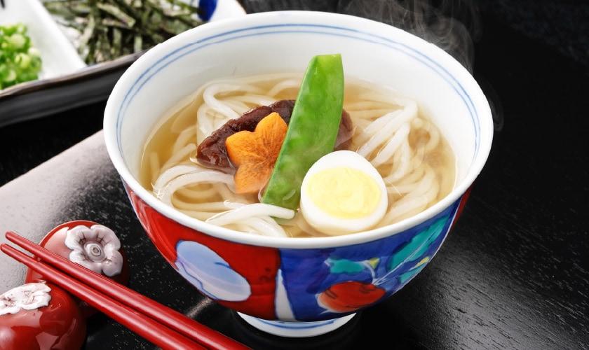 寄せ鍋のスープでつくる「料亭風」米の麺 温麺風