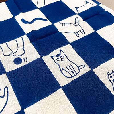 手ぬぐい「ネコ市松(青)」猫
