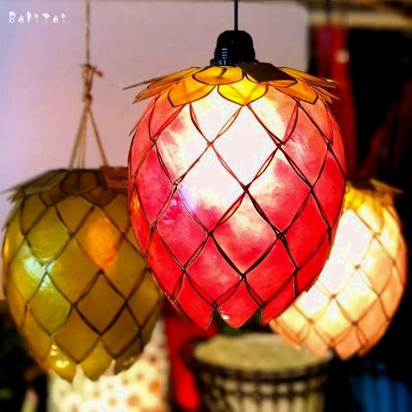 イチゴランプ/カピスシェルのランプ