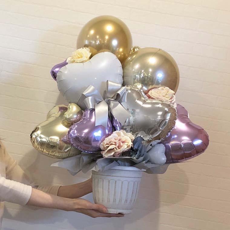 誕生日のギフトや開店・周年のお祝いに! 上品なパープルとゴールドカラーで落ち着いた雰囲気の置き型バルーンギフト サイズ