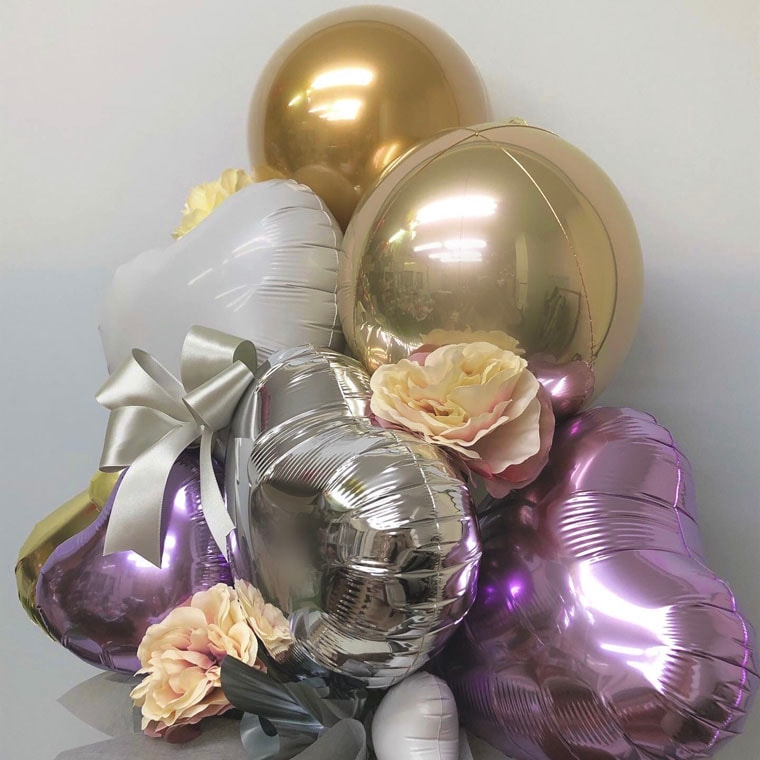 誕生日のギフトや開店・周年のお祝いに! 上品なパープルとゴールドカラーで落ち着いた雰囲気の置き型バルーンギフト 拡大2