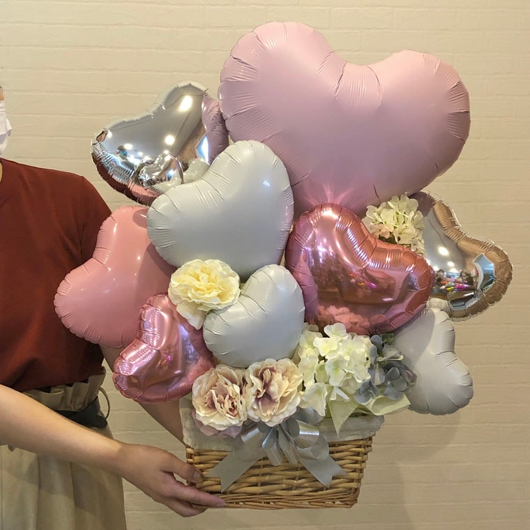 開店祝いや周年祝い・お誕生日のプレゼントにも☆ ミルキーピンクが可愛いバスケットに入った置き型バルーンギフト サイズ